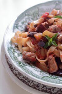pasta con il tonno ricetta siciliana