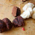 Tetù al cacao con glassa al cioccolato
