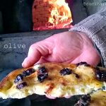 Focaccia alle olive, pasta madre solida, lievito liquido e tanto altro