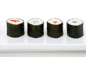 sushi con alga